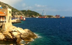 Isola del Giglio: Rossi promette il piano di rilancio per il dopo Concordia. Restano incognite sul ripristino ambientale