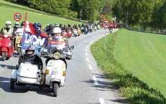 Maremma, al via il «Vespa Mondiale 2014» con mille appassionati delle due ruote