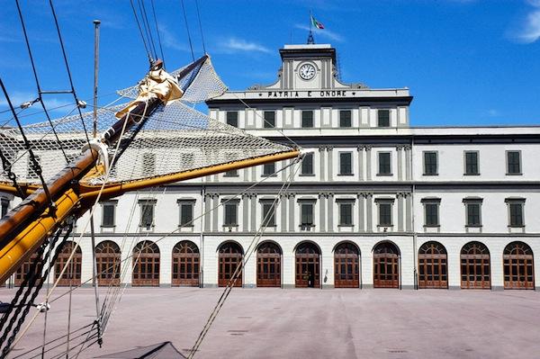 Il piazzale dell'Accademia Navale