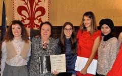 Firenze, moda: il premio «Giuliacarla Cecchi» a una giovanissima designer tedesca (VIDEO)