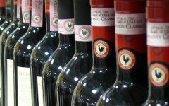 Vino: il Chianti sarà imbottigliato solo in Toscana. Per garantire tracciabilità e controllo