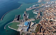 Livorno, ordigno bellico scoperto all'interno del porto