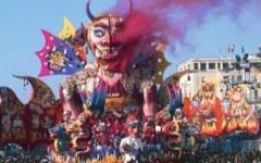 Carnevale di Viareggio 2015, pagheranno anche i bambini. Biglietto a 13 euro da 7 a 12 anni