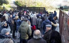 Morte di Pino Daniele: fans in coda nella camera ardente fra lacrime e polemiche