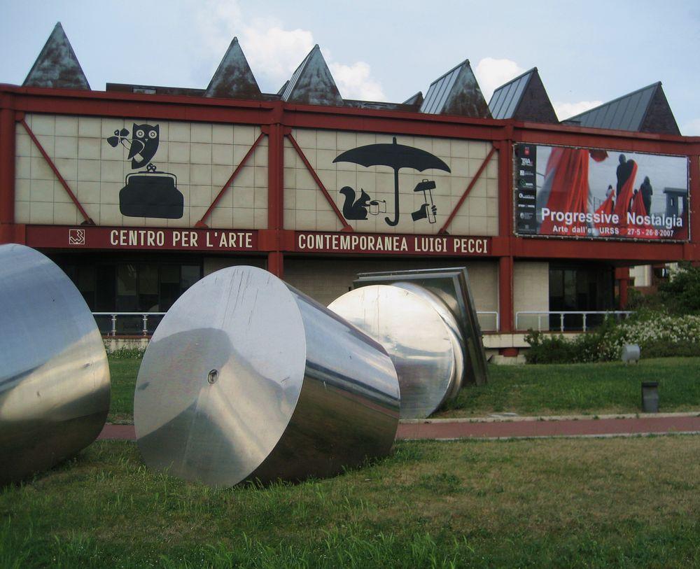 Crolla un controsoffitto al museo Pecci