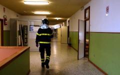 Terremoto, torna la paura: crepe nelle case a Firenze. Crolli e feriti nelle Marche. A Roma evacuato il Viminale