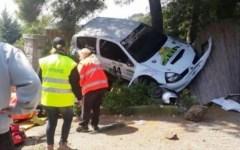 Isola d'Elba, rally: un'auto piomba sul pubblico. Due feriti: uno è grave