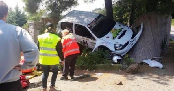 Rally dell'Elba, la Renault Clio che ha travolto due spettatori (foto dal sito Rally.it)