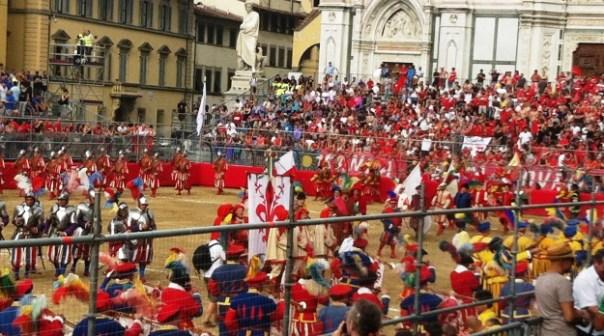 Calcio Storico 2015, il corteo in piazza 625x350