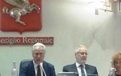 Toscana: Giani, neo presidente del consiglio regionale, vuole la fascia tricolore e taglia le ferie del Palazzo. Cinque stelle sulle barrica...