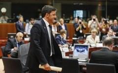 Grexit: Renzi, l'Italia è al riparo dal rischio default. Le clausole di salvaguardia non scatteranno