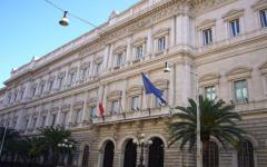 Bankitalia: le tasse crescono ma il debito pubblico dell'Italia non diminuisce