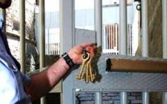 Firenze, Sollicciano: tentano di evadere dal carcere, detenuti bloccati sui tetti