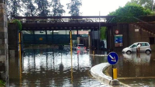 Nubifragio a Pisa, viabilità nel caos