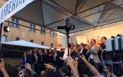 Centrodestra, bagno di folla a Bologna: per Berlusconi, Salvini  e la Meloni. Incidenti provocati dai centri sociali