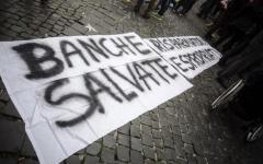 Arezzo: contro il salva-banche striscioni di protesta. 4 cause chiuse: per morte degli investitori