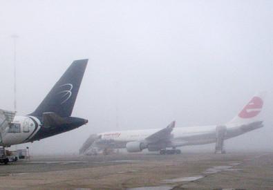Voli cancellati per nebbia all'aeroporto di Firenze