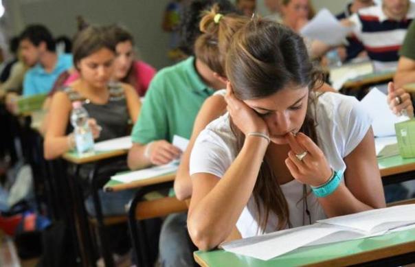 Scuola, a settembre nuovo concorso per oltre 63 mila insegnanti