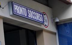 Firenze: donna 44enne minaccia medici e poliziotti con le siringhe. Paura in San Lorenzo