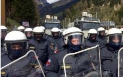 Austria, elezioni presidenziali: al primo turno in testa Norbert Hofer, leader della destra anti-migranti