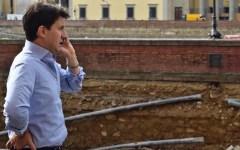 Firenze, voragine lungarno Torrigiani: turni di lavoro la notte e la domenica per finire a ottobre
