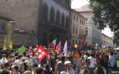 Toscana pride: 30.000 in corteo, c'erano anche Rossi, Nardella e molti sindaci con la fascia tricolore