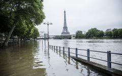 Francia: 4 morti e 24 feriti per il maltempo. La Senna a Parigi cala, ma il pericolo si sposta a Rouen