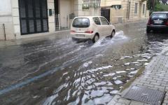 Viareggio: allagamenti in Versilia per forti temporali. Allerta con codice arancione