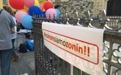 Prato: flash mob dei dipendenti della banca popolare di Vicenza