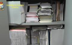 Livorno: impiegata del tribunale civile accusata di aver sottratto fascicoli e soldi (230 mila euro) all'ufficio. Sospesa e denunciata