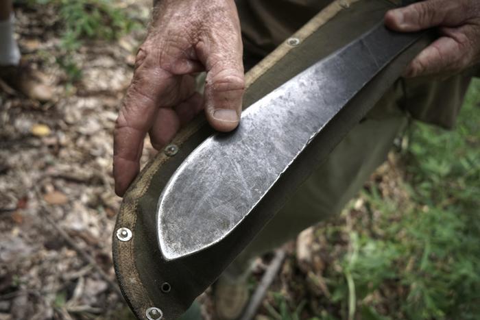 Montespertoli, colpisce la ex con un machete: arrestato per tentato omicidio