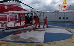 Talla (Ar): vigili del fuoco in elicottero salvano persona dispersa nel bosco
