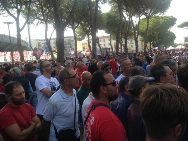 Calcio: Pisa; in più di 2 mila fuori da stadio a fare tifo