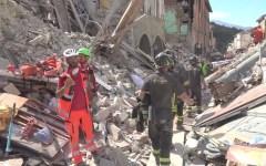 Terremoto Amatrice: il racconto di un salvataggio della squadra dei vigili del fuoco di Firenze (video)