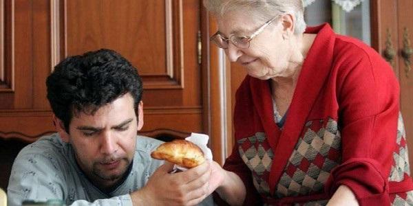 Italia senza futuro: sempre più giovani a casa con i genitori