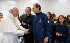 Papa Francesco: al suo arrivo a Norcia l'accoglie una scossa di terremoto (video)