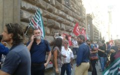 Firenze, migranti: sovrattassa sul permesso di soggiorno, domani 6 ottobre protesta davanti alla prefettura