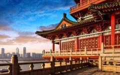 Cina: un'imprenditrice cinese, Hu Lanbo, spiega le grandi opportunità per le imprese italiane