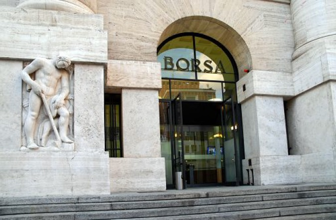 Borsa: tiene dopo vittoria No, chiude a -0,21%,giu' banche