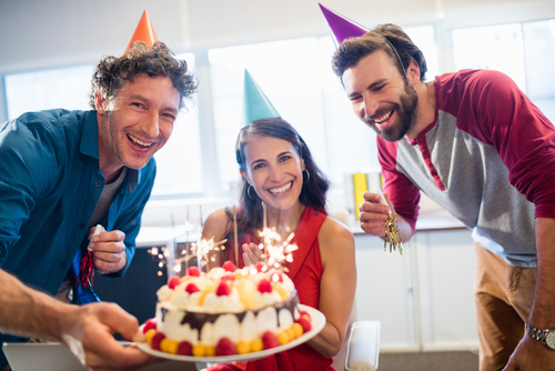 Great Ideas to Celebrate a Birthday at the Office - First Class Tours