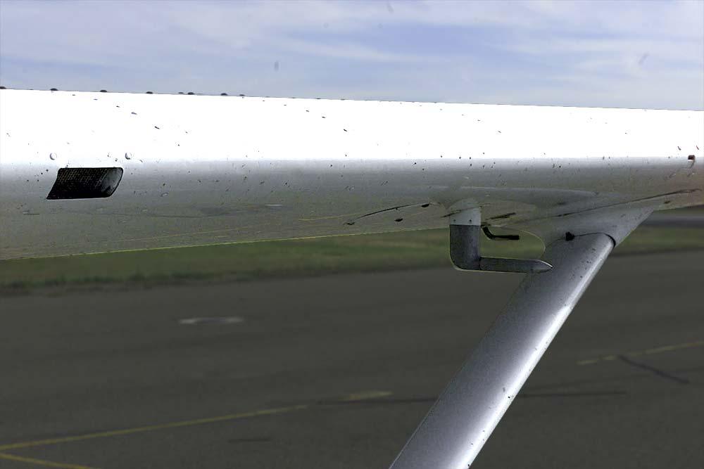 Resultado de imagem para checking aircraft fuel cap