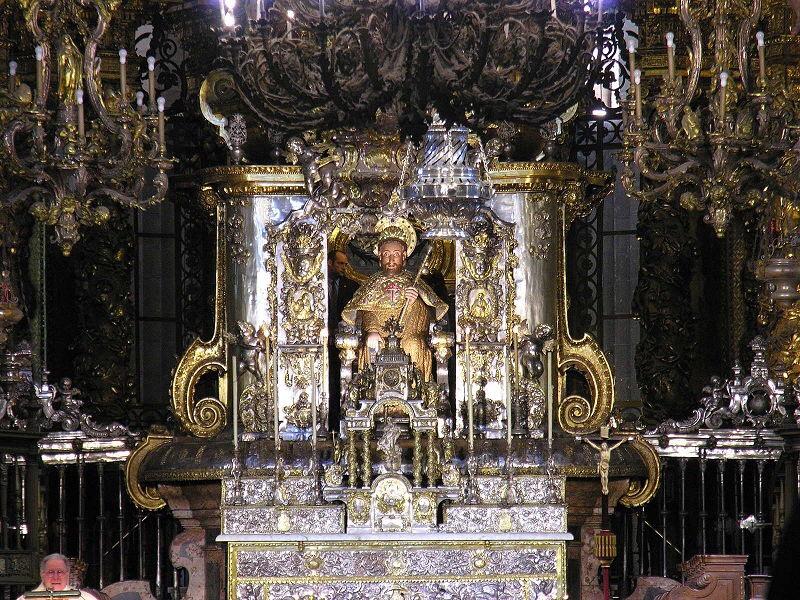 Foto_de_Santiago_Apóstol_en_la_catedral_De_Santiago de_Compostela