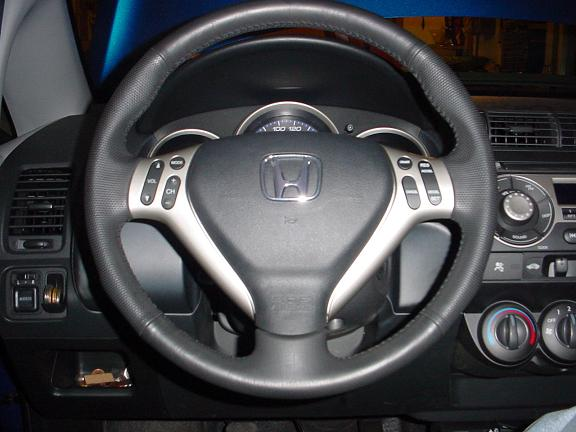 Audio controls on steering wheel? - Page 2 - Unofficial Honda FIT Forums