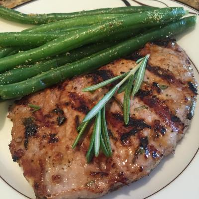 how to cook marinated pork shoulder chop in pan
