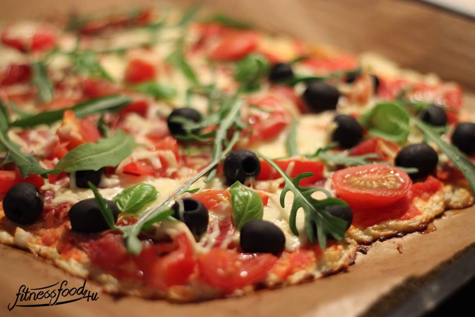 Low Carb Pizza mit Blumenkohl-Teig