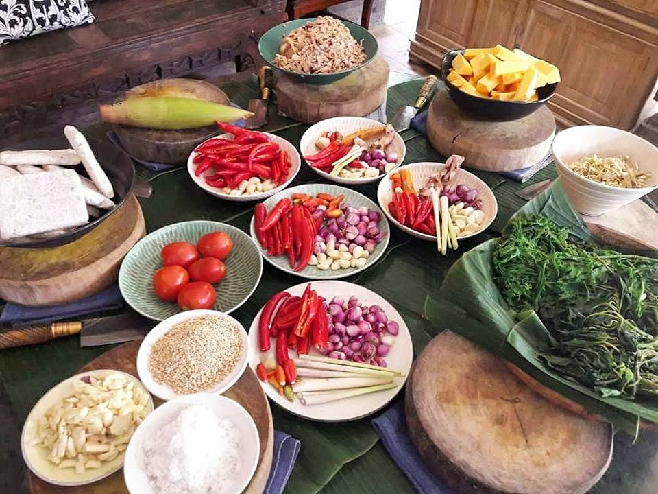 Bali Healthy food Guide Ubud - Casa Luna Cooking School vegan cooking