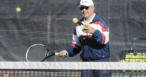 old_tennis_playing