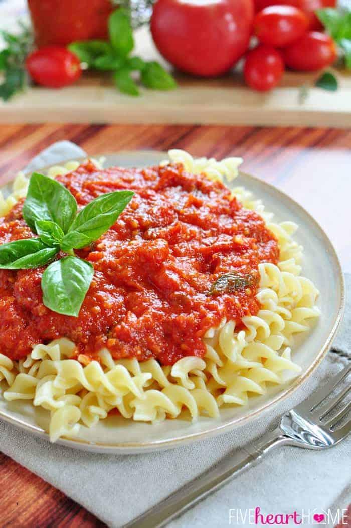 30-Minute Fresh Tomato Marinara Sauce - FIVEheartHOME