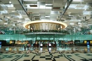 Changi-Airport-departures-Cyrstal-Jade-Restaurant-above