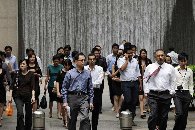 office-workers-crossing-road